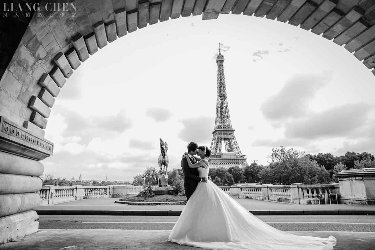 自助獨立婚紗,海外婚禮, 海外婚紗,婚紗攝影,婚攝,婚紗攝影工作室,良大LiangChen,婚禮攝影, 婚禮紀錄,廣告,雜誌,形象,法國巴黎拍攝婚紗