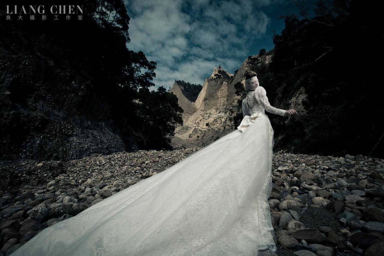 自助獨立婚紗,海外婚禮, 海外婚紗,婚紗攝影,婚攝,婚紗攝影工作室,良大LiangChen,婚禮攝影, 婚禮紀錄,廣告,雜誌,形象,新娘物語拍攝, 苗栗拍攝