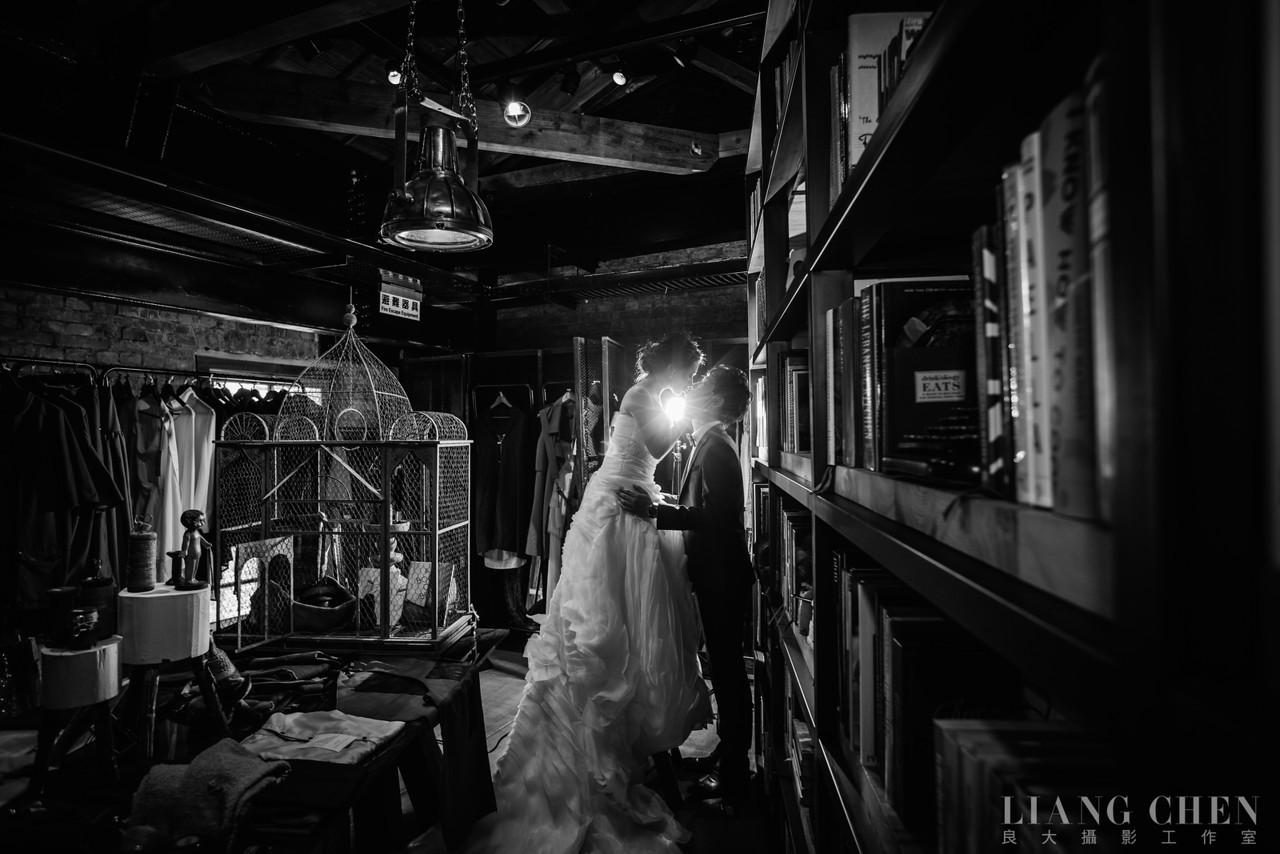 自助獨立婚紗,海外婚禮, 海外婚紗,婚紗攝影,婚攝,婚紗攝影工作室,良大LiangChen,婚禮攝影, 婚禮紀錄,廣告,雜誌,形象,陽明山,華山好樣思維
